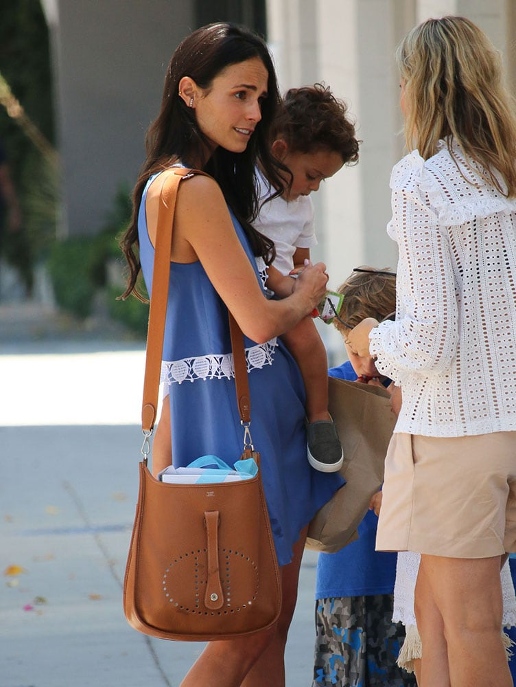 Jordana-Brewster-Hermes-Evelyn-Bag-Tan